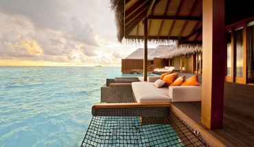 Sunset Family Ocean Suite with Pool