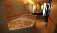 Super Deluxe with Jacuzzi Room