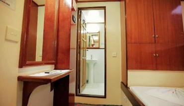 Cabin with Twin Beds and Diving