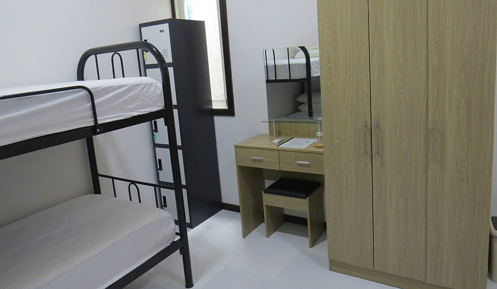 Single Bed in Mixed Dorm